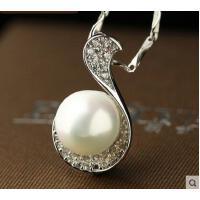 韩版简约短款锁骨链群镶合成珍珠女吊坠银项链生日礼物