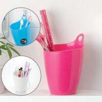 日本进口 可悬挂 牙刷筒 笔筒糖果色塑料收纳桶 迷你垃圾桶