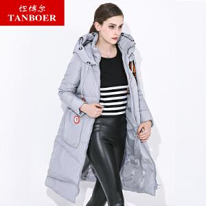 坦博尔冬季新款过膝长款连帽羽绒服女印花肩章外套TD3712