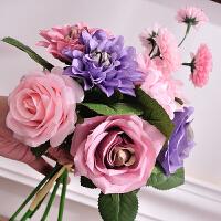 绢花假花塑料花仿真花玫瑰绣球混合花束手捧花人造花家居装饰