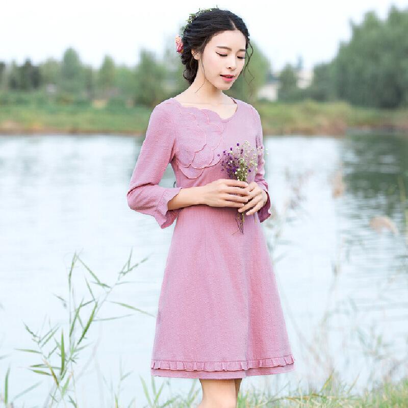 烟花烫 2017夏装新款女装修身纯色荷叶边七分袖连衣裙  晴洲