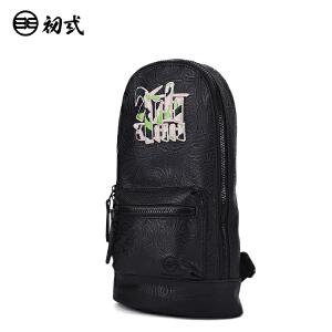 初�q中国风潮牌胸包复古压纹文字刺绣反战�鸬ゼ缧笨媲氨嘲�43032