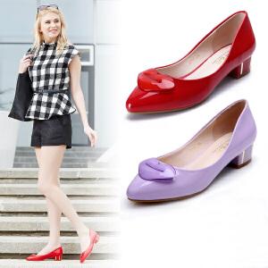 东帝名坊新款中跟女鞋漆皮唇印尖头浅口低帮粗跟单鞋婚鞋