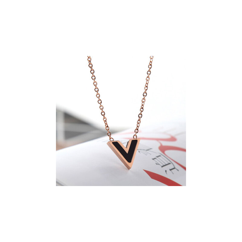 创意时尚个性钛钢玫瑰金彩金项链v型锁骨链v形字母女款饰品图片