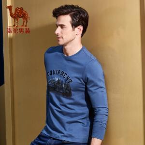 骆驼男装 秋季新款时尚植绒字母印花圆领日常休闲长袖T恤衫男