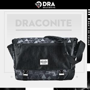 DRACONITE潮牌翻盖锁扣单肩包男几何三角印花帆布斜挎包韩12032A