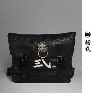 初�q中国风潮牌复古压纹男女死飞狮子头邮差包单肩斜挎背包42005