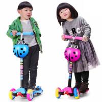 新款儿童滑板车3轮闪光滑滑车三轮四轮踏板车3岁宝宝滑轮车