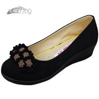 XQ/欣清新款正品老北京女布鞋时尚坡跟蝴蝶结黑色妈妈休闲单鞋